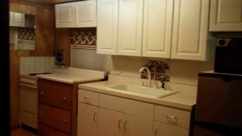 341 E 1st Ave Apt 7, Riddle, OR 97469