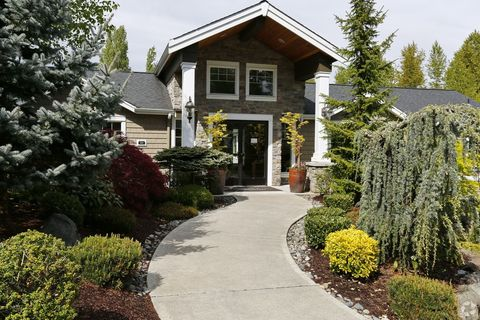 Photo of 600 Sw Kenyon St, Seattle, WA 98106