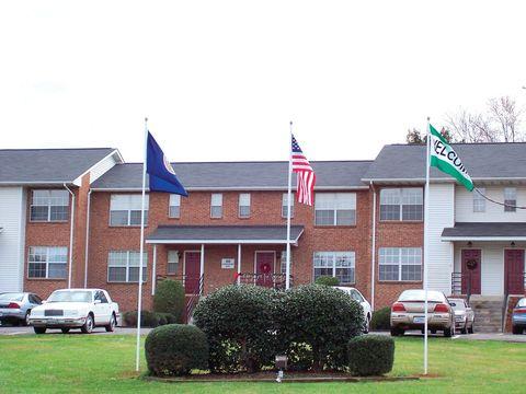 Photo of 500 Concord Pl, Culpeper, VA 22701
