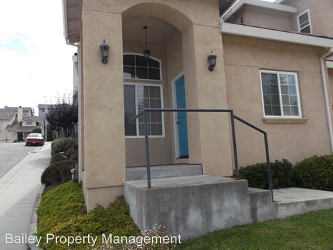 26 Hope Dr, Watsonville, CA 95076