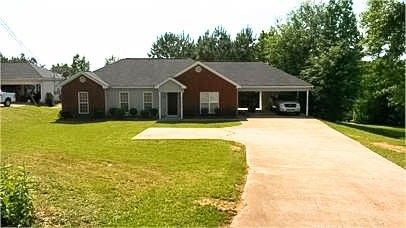 973 County Road 379, Smiths Station, AL 36877
