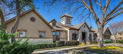Photo of 1515 Cannon Pkwy, Roanoke, TX 76262