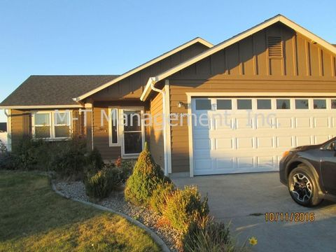 12618 W 2nd Ave, Airway Heights, WA 99001