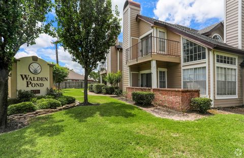 Photo of 1331 S Harvey Mitchell Pkwy, College Station, TX 77840