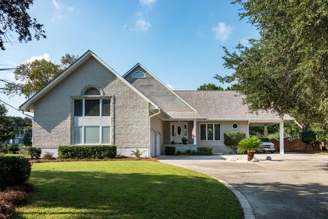 Photo of 311 Jamesbury Rd, Wando, SC 29492