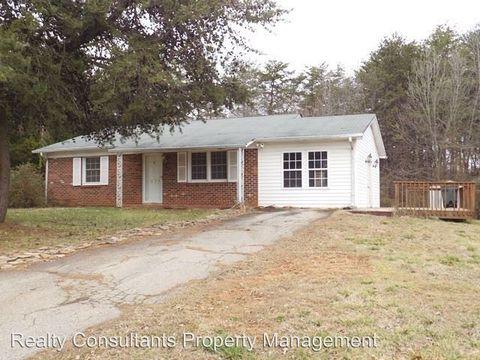 1624 Withersea Ln, Reidsville, NC 27320