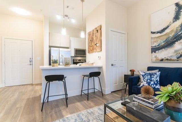 425 E Lamar Blvd  Arlington  TX 76011707 Washington Dr  Arlington  TX 76011   realtor com . 3 Bedroom Apartments In Arlington Tx 76011. Home Design Ideas