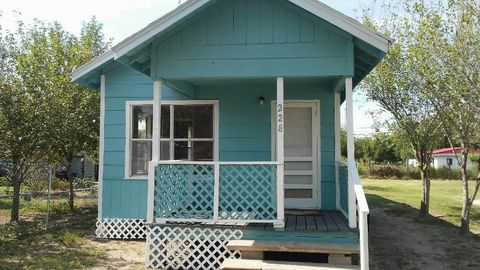 Photo of 228 Nw 2nd St, Premont, TX 78375