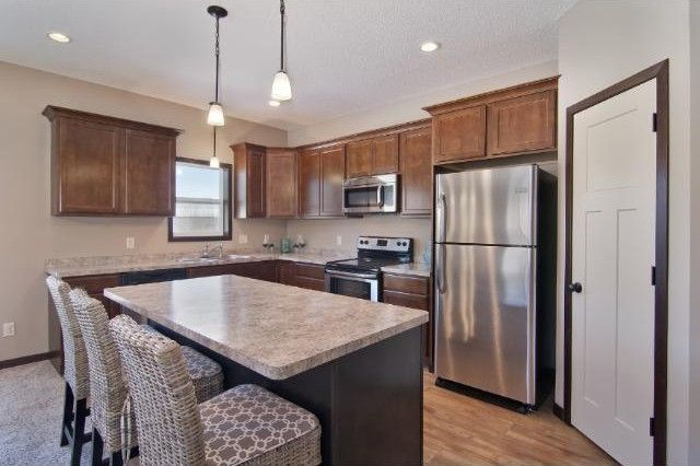 1074 Landings Ln, Watertown, MN 55388
