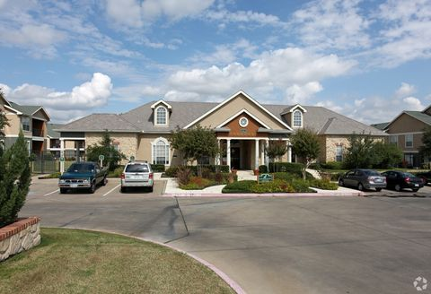 Photo of 5000 Joe Ramsey Blvd E, Greenville, TX 75401