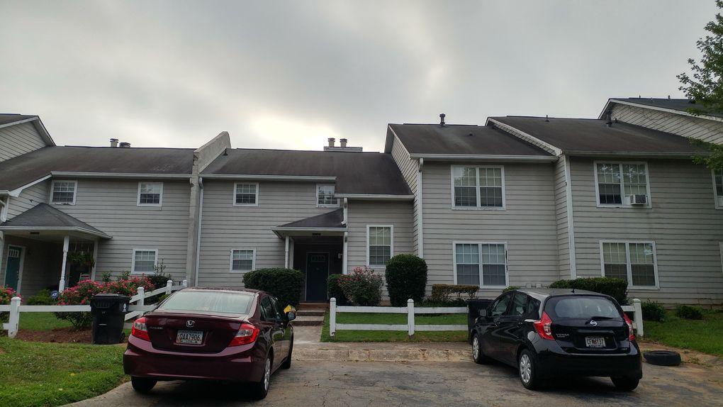 9470 Cypress Ln, Jonesboro, GA 30238