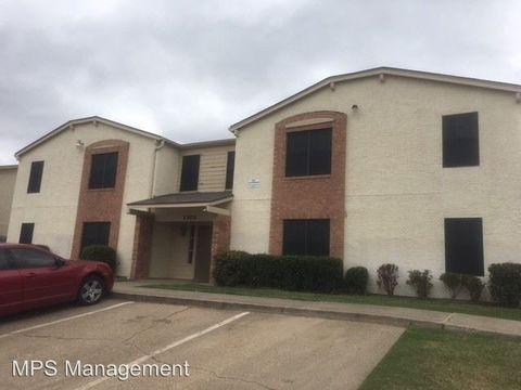 Photo of 1300 Northwood Blvd, Corsicana, TX 75110