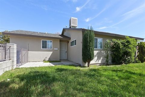 38650 Frontier Ave, Palmdale, CA 93550