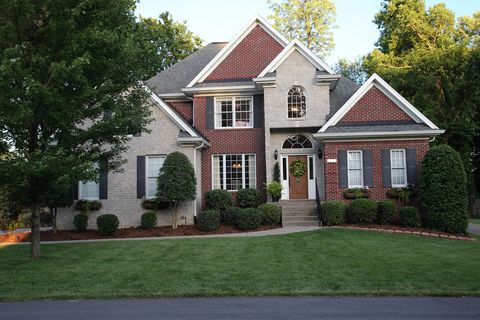 Photo of 4302 Hill Top Rd, Louisville, KY 40207