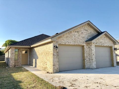 Photo of 2514 Avenue H Ste A, Nederland, TX 77627