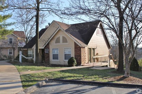 Photo of 5625 Hunters Valley Ct, Saint Louis, MO 63129