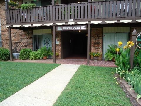 Photo of 100 Mountain Springs Rd, Oneonta, AL 35121