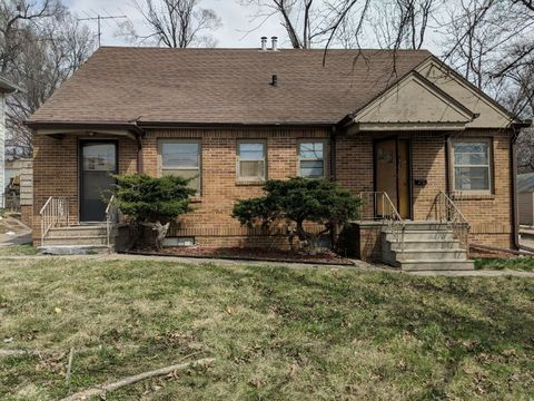 Photo of 1147 65th St, Windsor Heights, IA 50324