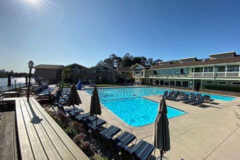 Photo of 2 Harbor Point Dr, Mill Valley, CA 94941