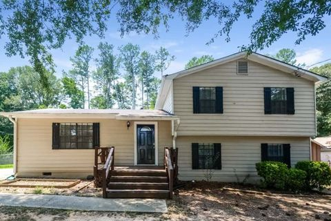 Photo of 2754 Aruba Dr, Powder Springs, GA 30127