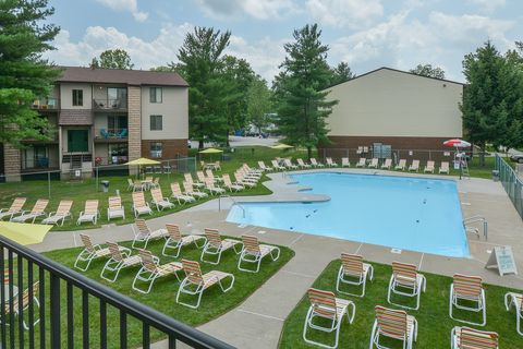 Photo of 6275 Country Club Dr, Huntington, WV 25705