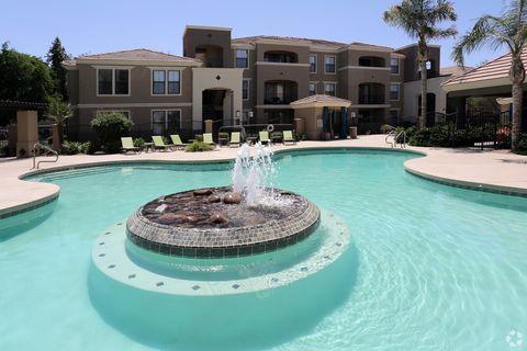 Photo of 15801 S 48th St, Phoenix, AZ 85048