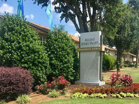 Photo of 1225 Willowbrook Dr Se, Huntsville, AL 35802