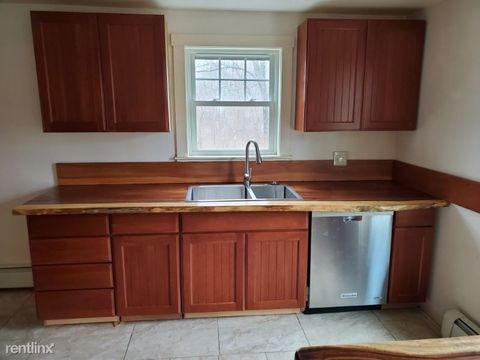 Photo of 39 Middle Rd, Dresden, ME 04342