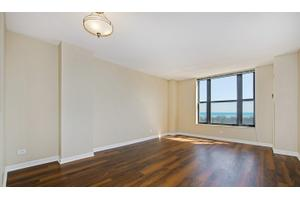 Apartments for Rent at Evanston Place Apartments - 1715 Chicago ...