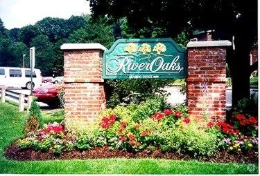 Photo of 1 Oakhurst Cir, Pittsburgh, PA 15215
