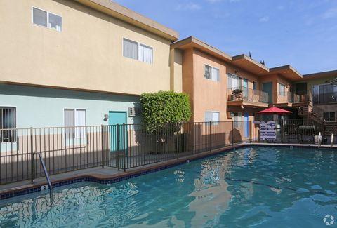 Photo of 4540 Hazeltine Ave, Sherman Oaks, CA 91423
