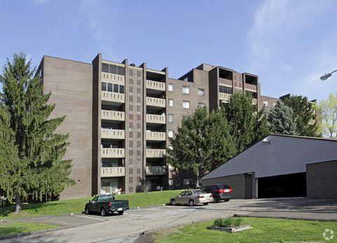 Photo of 152 Royal Oak Dr, McKeesport, PA 15131