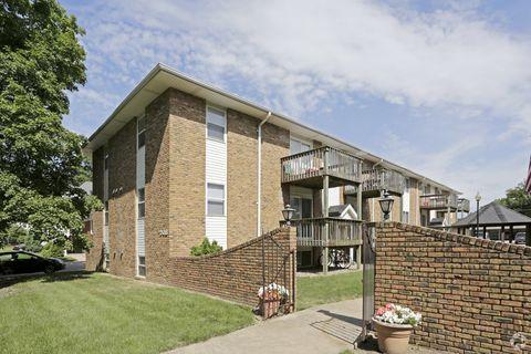 1206 E Grove St, Bloomington, IL 61701