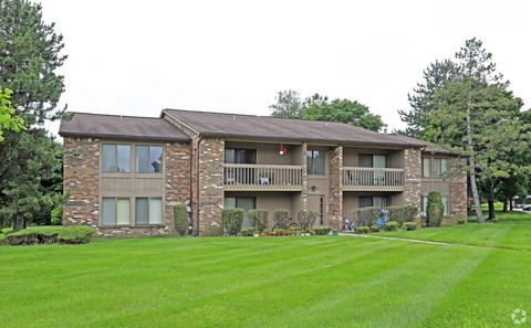 Photo of 22225 Green Hill Rd, Farmington, MI 48335