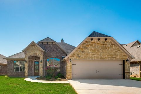Photo of 318 Oar Wood Dr, Granbury, TX 76049