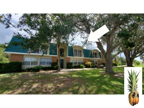 Photo of 3586 Cape Haze Dr Unit 4, Rotonda West, FL 33947