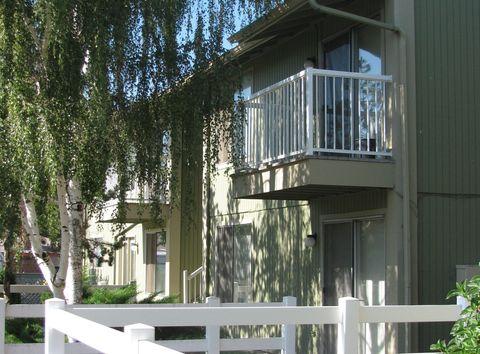 Photo of 1328 Summers Ln Apt 4, Klamath Falls, OR 97603