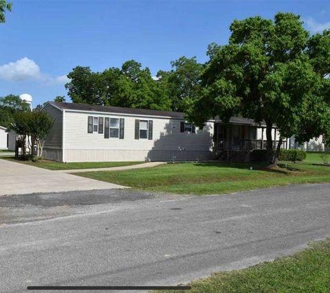 Photo of 320 Stewart St, Kountze, TX 77625