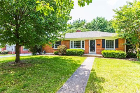 Photo of 361 Hillsboro Ave, Lexington, KY 40511