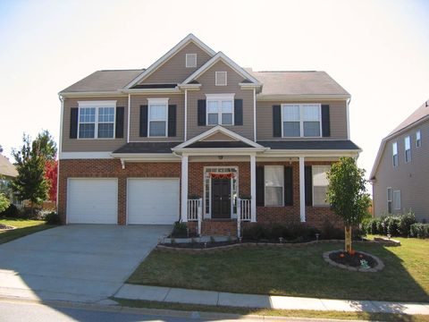 Photo of 4 Smokehouse Dr, Simpsonville, SC 29681