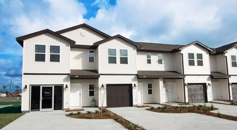 Photo of 1009 Parkview Dr, Lynn Haven, FL 32444