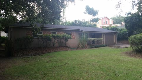 Photo of 1880 Pepper Hill Ct, Tallahassee, FL 32304