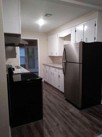 Photo of 200 Ronaldson Ave, Sterlington, LA 71280