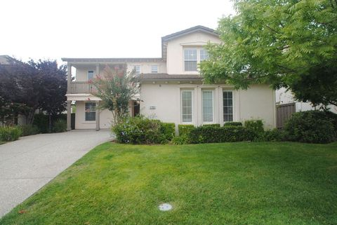 Photo of 1752 Langholm Way, Folsom, CA 95630