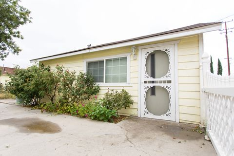 Photo of 41485 Johnston Ave, Hemet, CA 92544