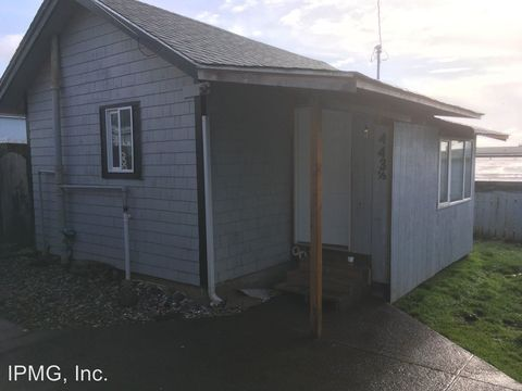 Photo of 443 And 447 Sw 7th St, Newport, OR 97365
