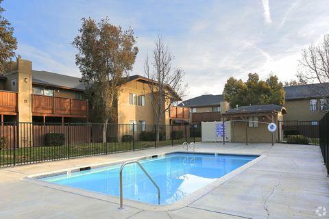 Photo of 1250 S Cawston Ave, Hemet, CA 92545