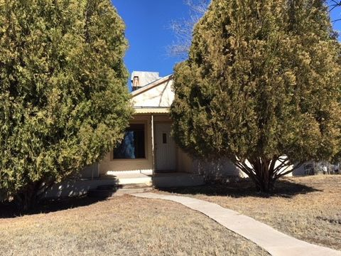 Photo of 710 W Bonbright St, Carlsbad, NM 88220