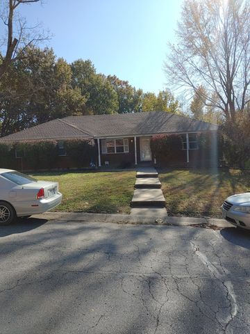 Photo of 1214 Sw Sunset Ave, Blue Springs, MO 64015