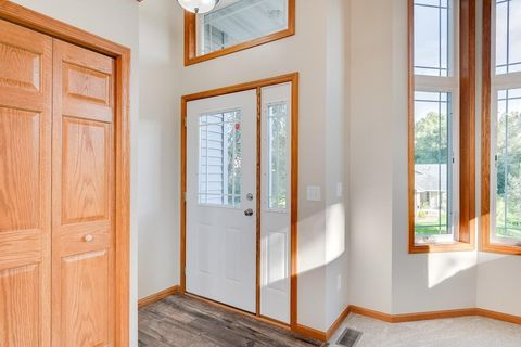 Photo of 108 9th Ave S, South Saint Paul, MN 55075